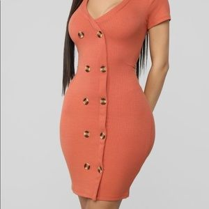 Fashion nova - Samma Ribbed Button Dress